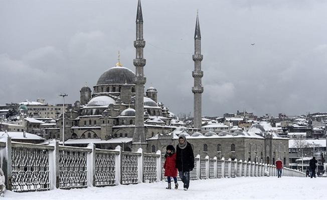 İstanbul ve 25 ilde okullara kar tatili