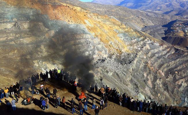 Şirvan'da madenciler eyleme başladı