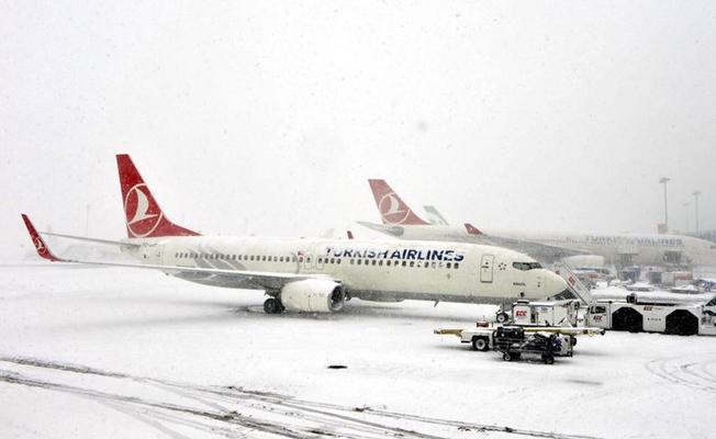 THY, Atatürk Havalimanı'nda seferlerini durdurdu