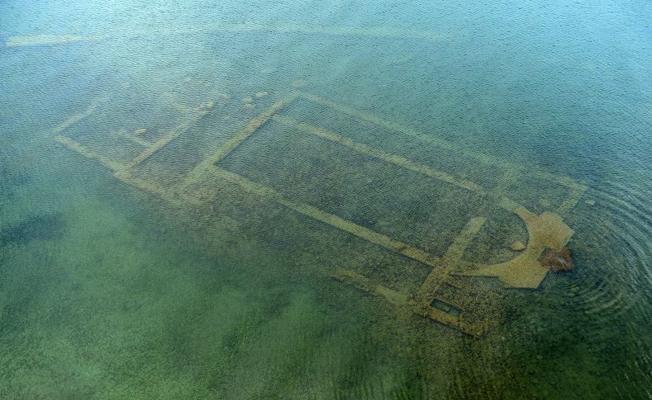 İznik Gölü'ndeki bazilikada daha eski mezar odaları bulundu