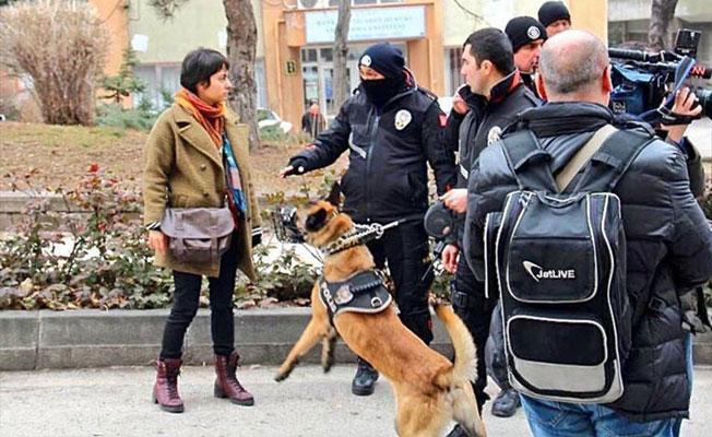 Mülkiye'de polise karşı duran Bayındırlı: 'Sizden korkmuyorum' dedim