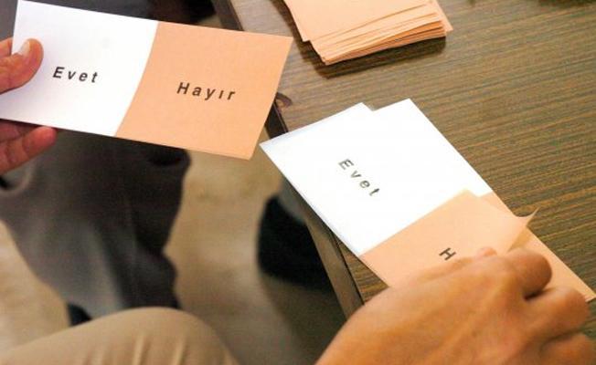 AKP'nin kendi yaptırdığı anketlerde 'evet' yüzde 50'yi geçemedi