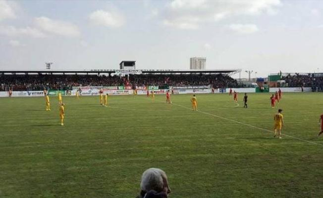 Amedspor maçını izleyen Diyarbakır Büyükşehir Belediyesi kayyımı protesto edilince stattan ayrıldı