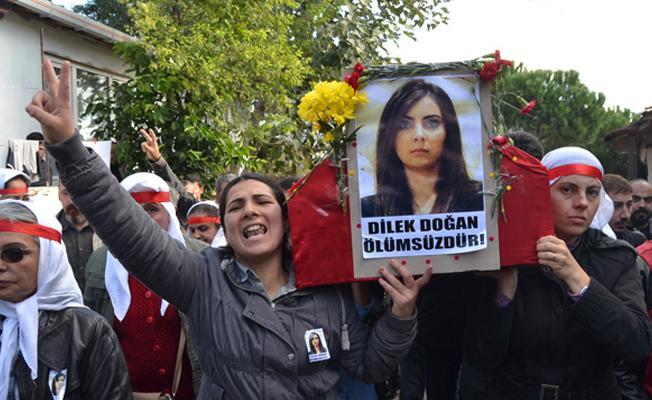 Dilek Doğan'ın annesi: O polis kızlarının yüzüne nasıl bakacak