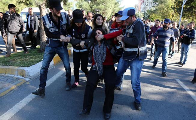 Economist: Erdoğan kimseye insan hakları ve demokrasi dersi veremez