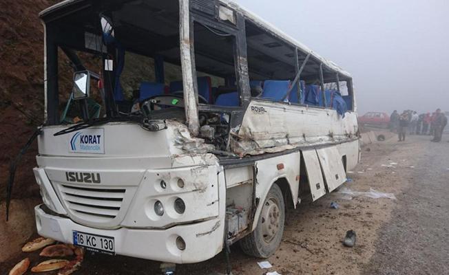 Maden işçilerini taşıyan servis aracı kaza yaptı: 2 ölü 18 yaralı