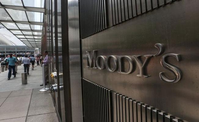 Moody's, Türkiye'nin kredi notu görünümünü düşürdü