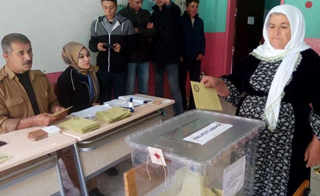 """34 yakınını kaybeden Roboskililer referandumda """"hayır"""" dedi"""