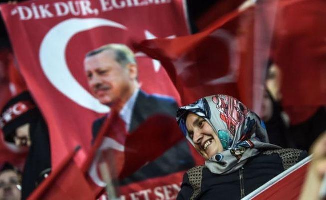 FT:  Önümüzdeki bir kaç gün Erdoğan için kritik