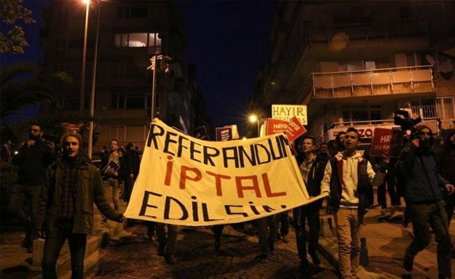 İstanbul'da referandum protestoları 6'ıncı gününde