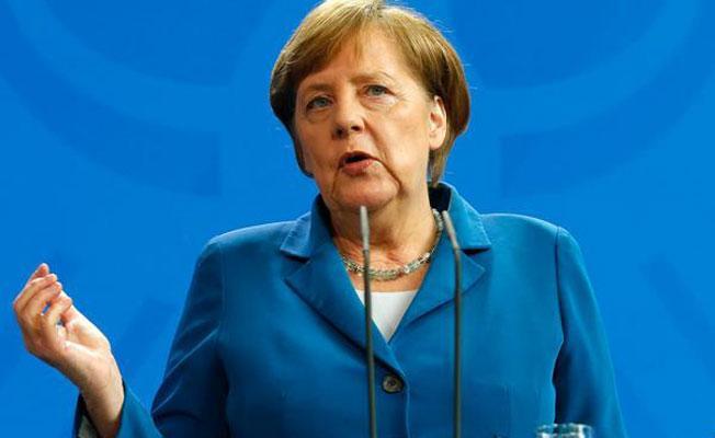 Merkel'den Erdoğan'a 'saygılı diyalog' çağrısı
