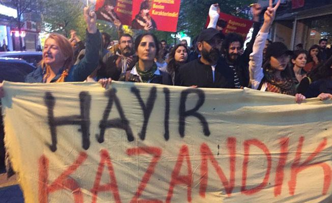 Referandum protestoları devam ediyor: Bu seçim meşru değildir
