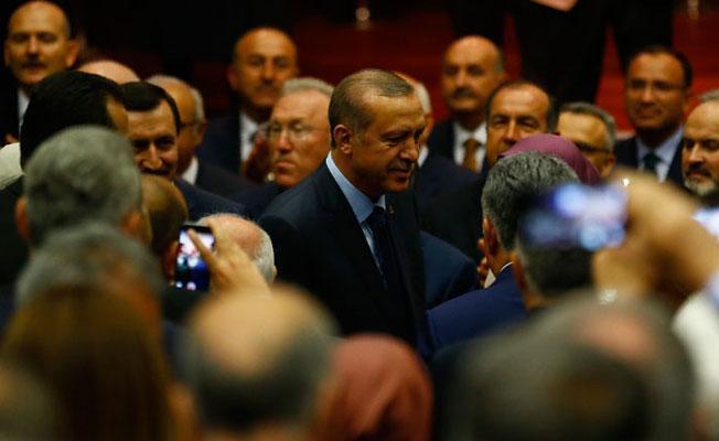 AKP'de genel başkan vekilliği geldi, 'Rabia' tüzüğe girdi
