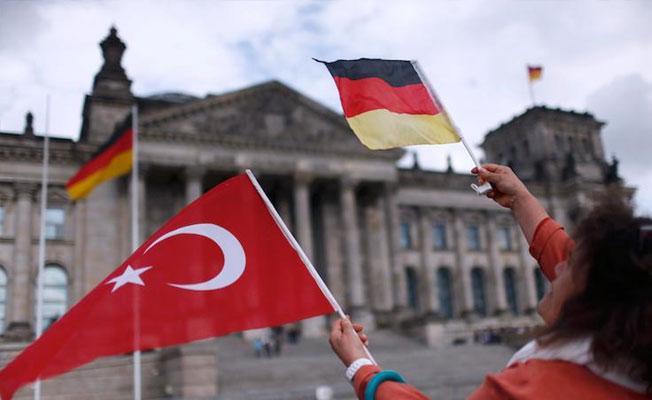 Almanya'ya sığınma başvurusu kabul edilenlerin sayısı arttı