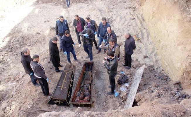Ardahan'daki mezar General Vasiliy'e değil, Yarbay Karl Karloviç'e aitmiş