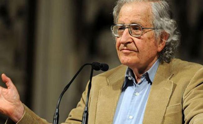Chomsky'den Gülmen ve Özakça'nın tutuklanmasına tepki