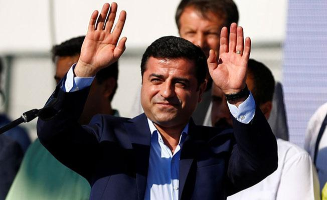 Demirtaş: AKP ve MHP seçmenleri destekledikleri partinin hatalarını görmeli