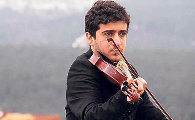 Göçmen teknesinde hayatını kaybeden müzisyen Barış'ın ailesi kaçakçıların peşinde