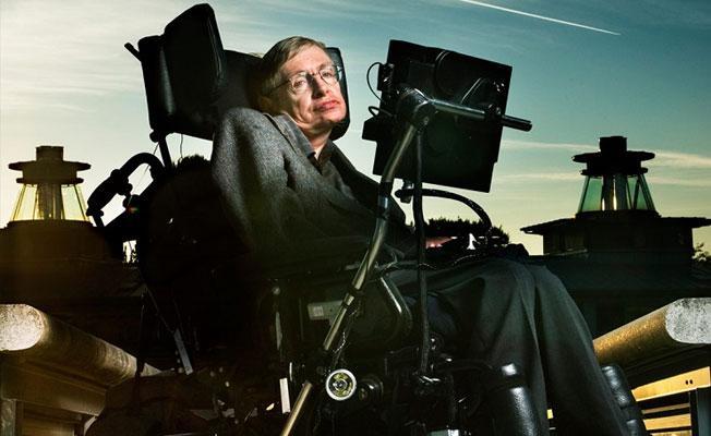 Hawking: İnsanoğlu 2600 yılında yok olabilir