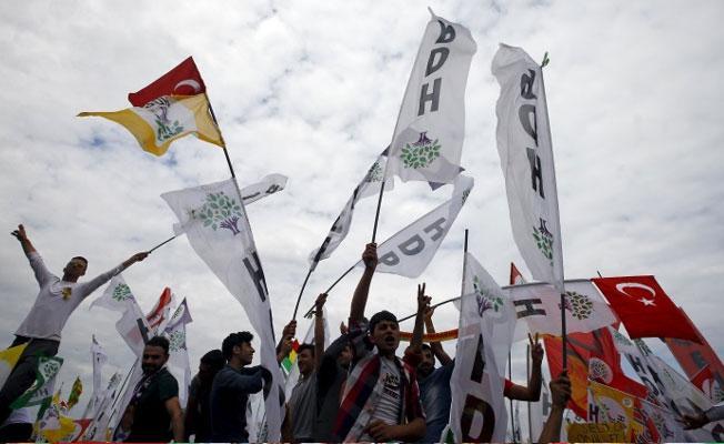 Barış isteyen EMEP ve HDP yöneticilerine ceza