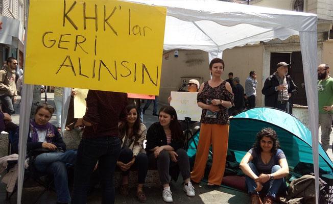 Kadıköy'deki açlık grevi nöbetine polis müdahalesi: Gözaltılar var