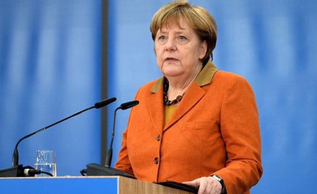Merkel: İncirlik'e ziyaret izni verilmezse çekiliriz