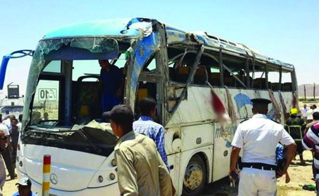 Mısır'da Kıptilere silahlı saldırı: En az 26 ölü