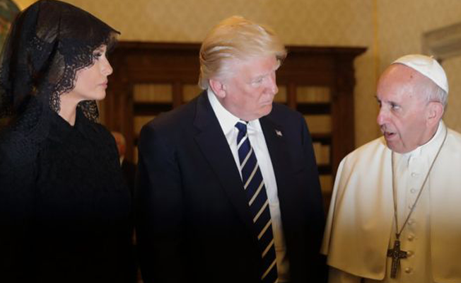 Papa ile Trump'ın Vatikan'daki ilk görüşmesi 'mesafeli' geçti