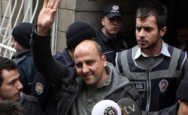 Ahmet Şık'a 'Cumhurbaşkanı'na hakaret'ten soruşturma