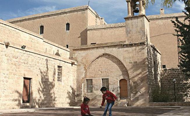 AP milletvekili Süryani kiliselerin Diyanet'e devredilmesini eleştirdi