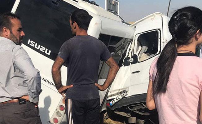 Diyarbakır'da askeri araç kaza yaptı: 2 ölü, 15 yaralı