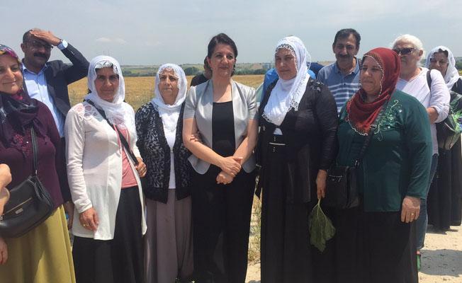 Edirne cezaevi önünden konuşan Buldan: Adaleti sadece 1 değil 10 milletvekili için aramalısınız