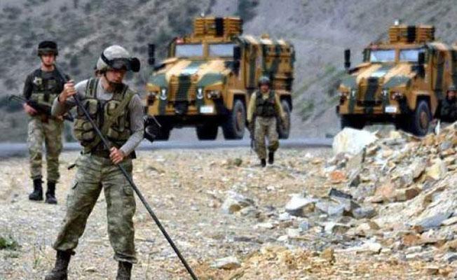 Hakkari'de iki asker hayatını kaybetti