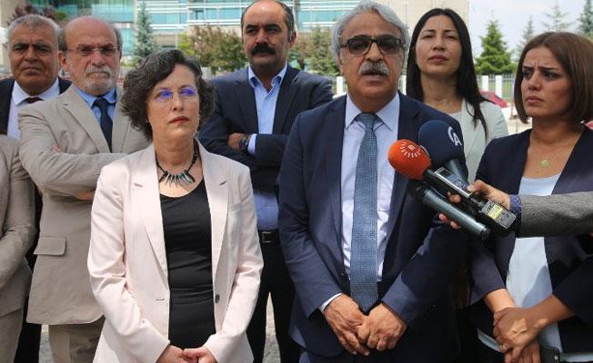 HDP'den AYM'ye: İçtihatlarınıza sahip çıkın