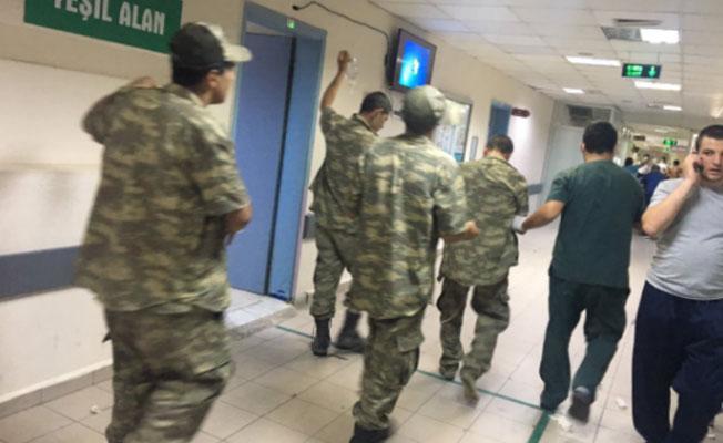 Manisa'da yine askerler yemekten zehirlendi