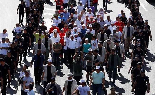 'Adalet Yürüyüşü'ne suç duyurusu: Trafiği sıkıştırıyor