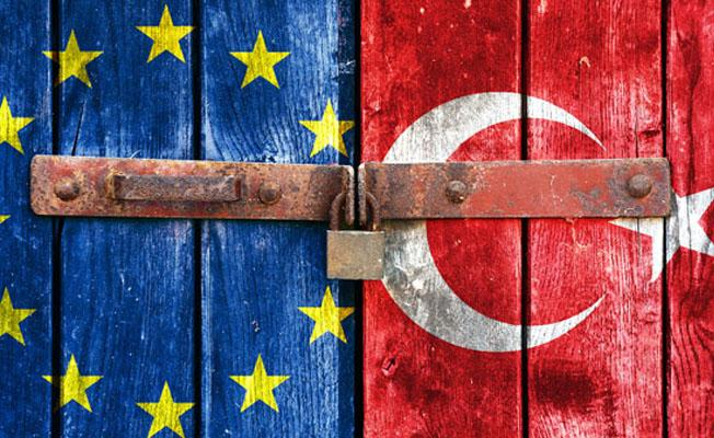 AP Türkiye ile müzakereleri dondurma raporunu kabul etti
