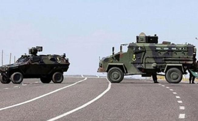 Hakkari'de iş makineleri taşıyan konvoya saldırı: 4 ölü