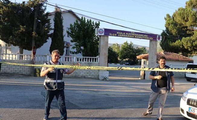 Kula Jandarma Karakolu'nda bir er arkadaşlarını taradı: 4 ölü, 3 yaralı