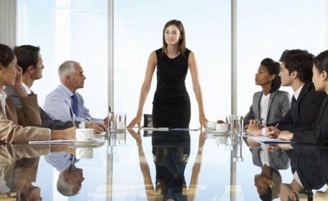 Kadınlar, erkeklerden 'daha iyi lider'
