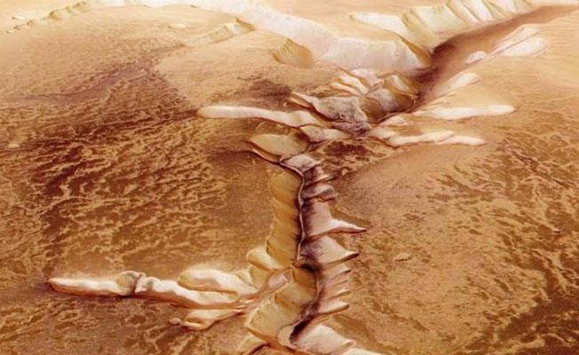 Mars'ta yaşam ihtimali 'zehirli kokteyl' nedeniyle düşük