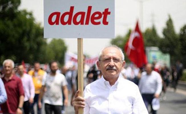 """'CHP'nin pekmezi: Ülkenin meselelerini konuşmaya çağırıp """"Kürt sorunu hariç"""" demek'"""