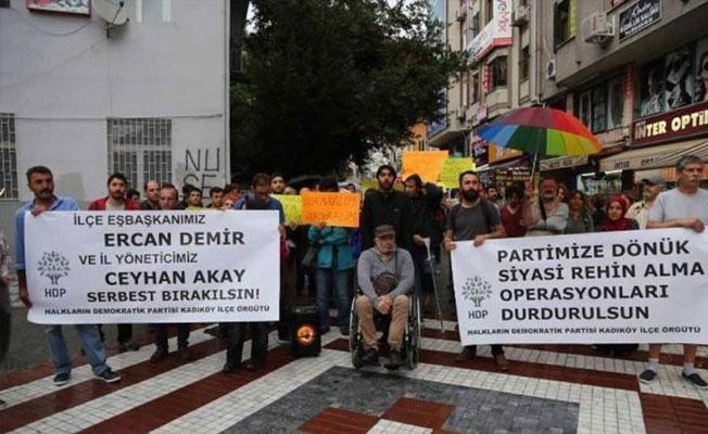 HDP tutuklamaları protesto etti