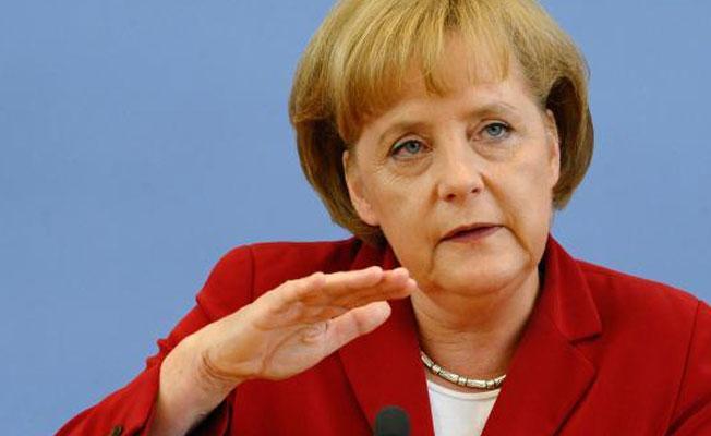 Merkel: Türkiye'yle Gümrük Birliği'ni sürdürmeyeceğiz