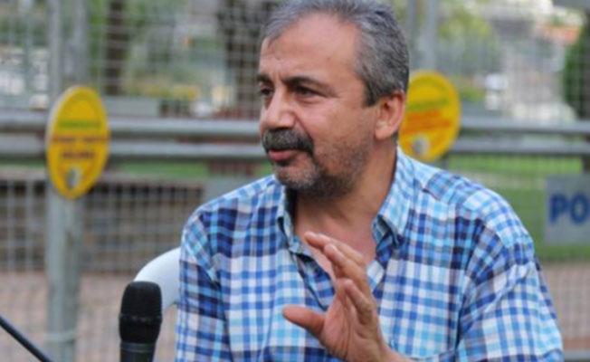 Sırrı Süreyya Önder: Enseyi karartmaya gerek yok