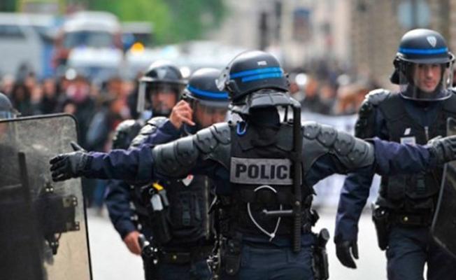 Fransa'da turistlere asitli saldırı!