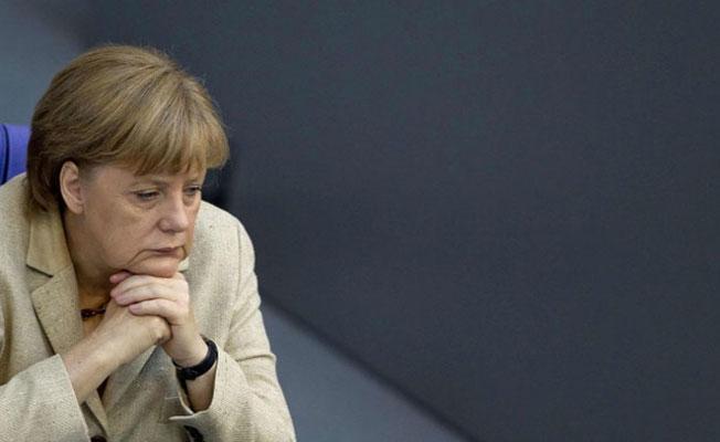 Merkel'den 'Türkiye'ye silah sevkiyatı' açıklaması