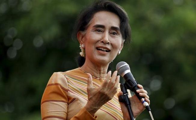 """""""Myanmar lideri Çii'nin Nobel Barış Ödülü geri alınsın"""""""
