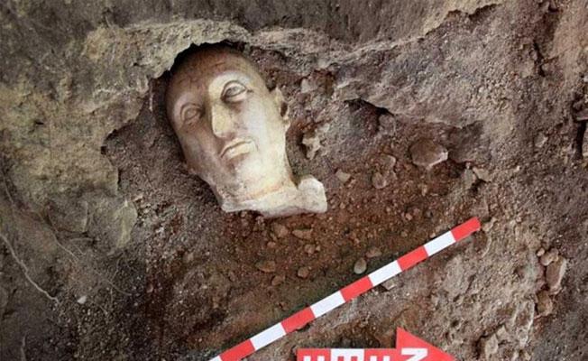 Side Antik Kenti'nde 3 yeni heykel bulundu