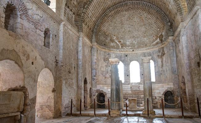 Antalya'da Aziz Nikolaos Anıt Müzesi'nin altında hiç bozulmamış tapınak keşfedildi